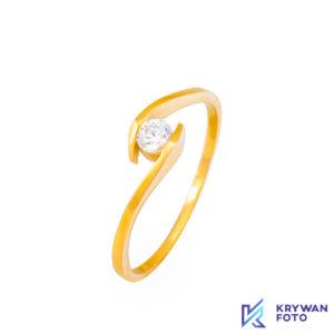 fotograf produktowy, fotografia biżuterii, fotografia pierścionków, fotografia kolczyków, zdjęcia produktowe, zdjęcia szparowane, zdjęcia biżuterii, fotograf produktowy Szczecin, fotografia makro, zdjęcia złota