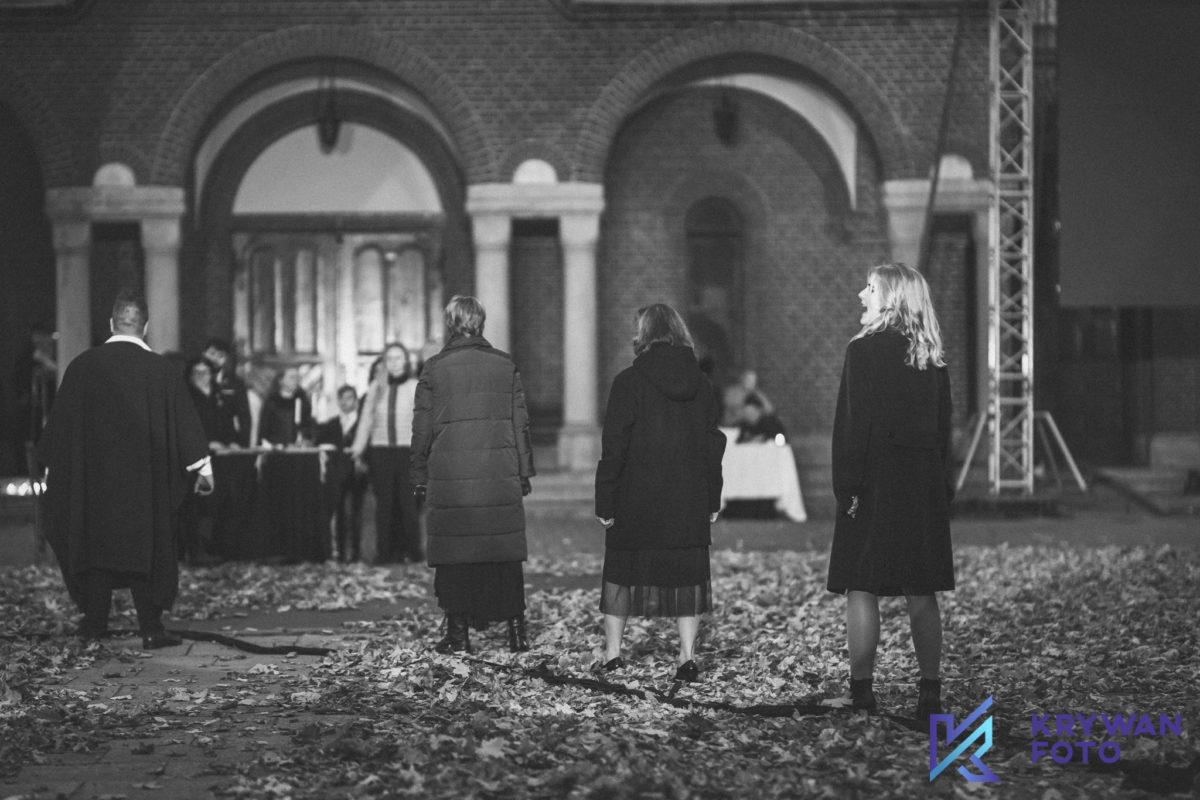 """Festiwal """"40 i 4"""": spektakl plenerowy """"Dziady cz. II"""""""