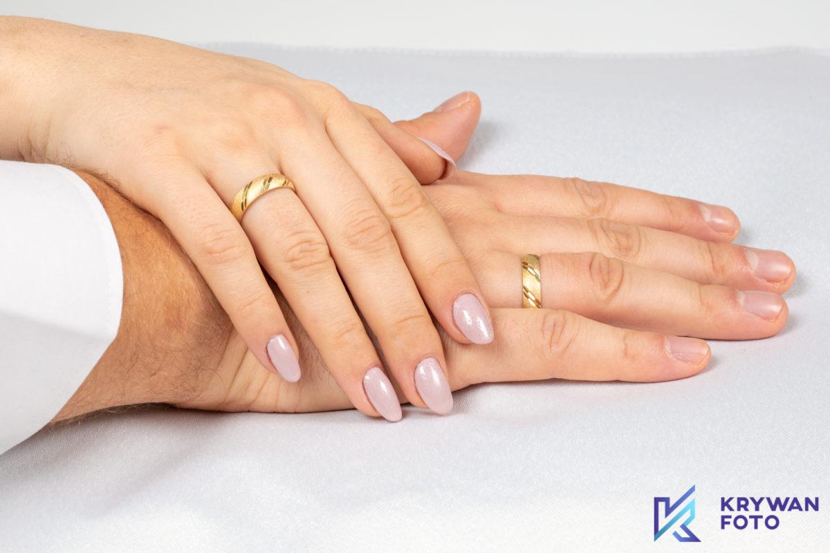 Zdjęcia obrączek ślubnych
